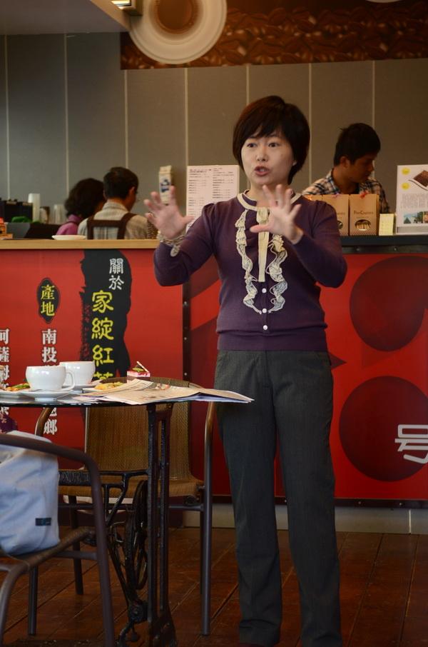 埔里報導發行人唐茹蘋分享魚池咖啡成功的行銷經驗。(柏原祥攝)