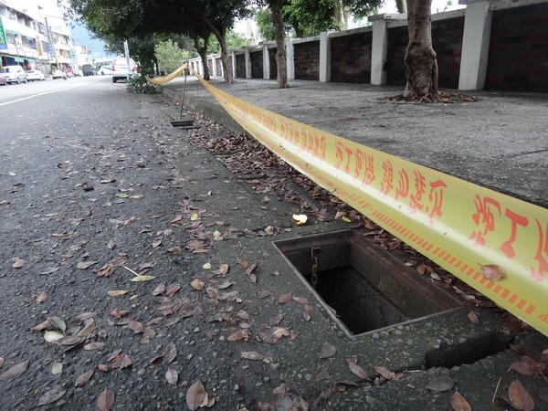 偷水溝蓋,水溝蓋失竊,水溝蓋竊案,路洞,碧雲宮,年底竊案