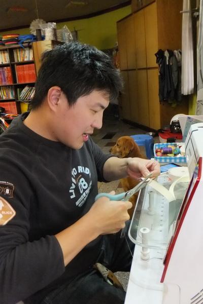 吳欽憲的手作創作很生活化,深受歡迎。(唐茹蘋攝)