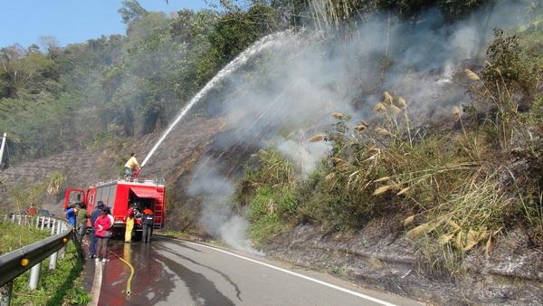 仁愛鄉全鄉只有一個消防分隊,消防隊員常疲於奔命救災。(諾爾攝)