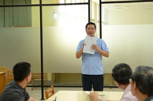 埔里Butterfly交響樂團發起人會議,台北指揮家室內樂團團長謝東昇捐出十萬元,作為創團發展基金。(柏原祥攝)