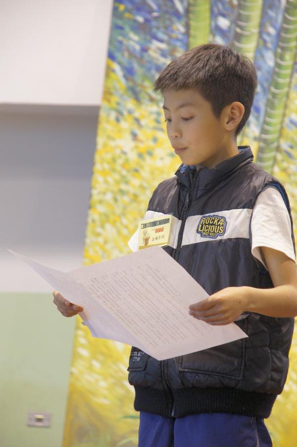仁愛鄉國語文競賽,參賽學童年紀雖小,台風仍很穩健。(魏裕鑫攝)