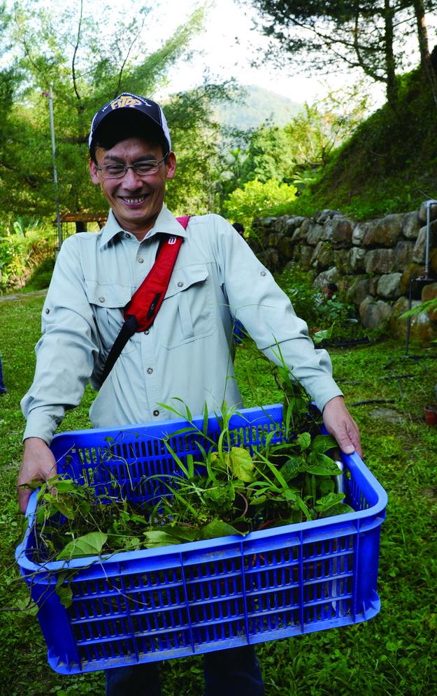 經過專業知識的洗禮,認識蜜源食草之後, 劉建湘更懂得如何為蝴蝶造窩。