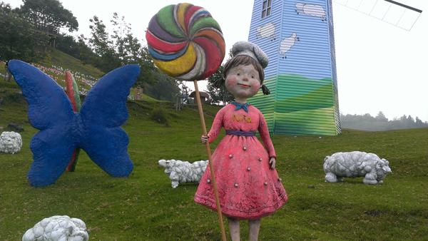 2013風車節加入大型裝置藝術,充滿童趣。(清境農場提供)