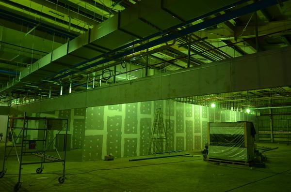 埔里家樂福的二樓空間規劃為美商街,爭鮮壽司、品田牧場、三商巧福等連鎖餐飲即將進駐。(柏原祥攝)