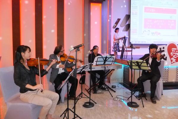 埔里Butterfly交響樂團伴奏演出。(唐茹蘋攝)