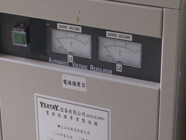 國姓鄉訊號站停電,電源指標歸零。(客家祺攝)