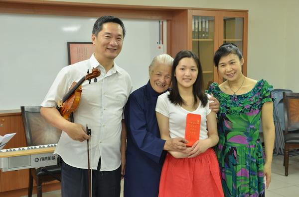 埔里Butterfly交響樂團即將舉辦「愛‧永不止息」音樂會,首場向陳綢阿嬤致敬。(廖肇祥攝)