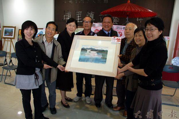 埔里藝術家總動員,舉辦藝術拍賣晚會,協助日本地震災民。(柏原祥攝)