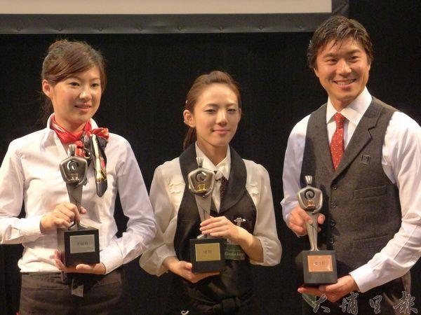 左起台灣亞軍楊潔儒、日本冠軍Hinako Kitsugi、美國季軍Mark Shimahara (吳儉文攝)