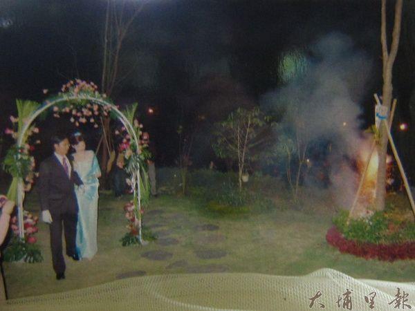 新人於七里山瑭婚宴浪漫夜景(七里山瑭提供)
