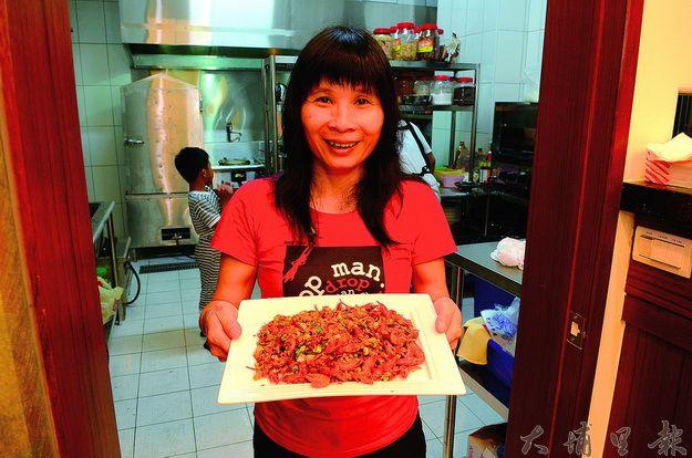 草本生活家兼營餐廳及民宿,每道菜皆為吳惠娟研發,吃起來清爽不油膩。(柏原祥攝)