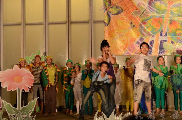 紙教堂舞台劇