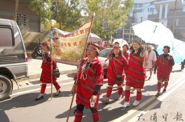 噶哈巫族是埔里多元族群其中一支,他們的語言、服裝、習俗有自身的特色。(柏原祥攝)