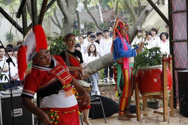 原住民大陸演出歌舞
