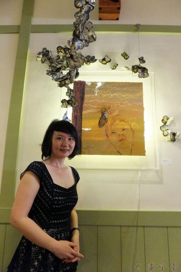 李美琳嘗試將纖維藝術與繪畫不同元素融合,創作出不同氛圍得作品。(唐茹蘋攝)