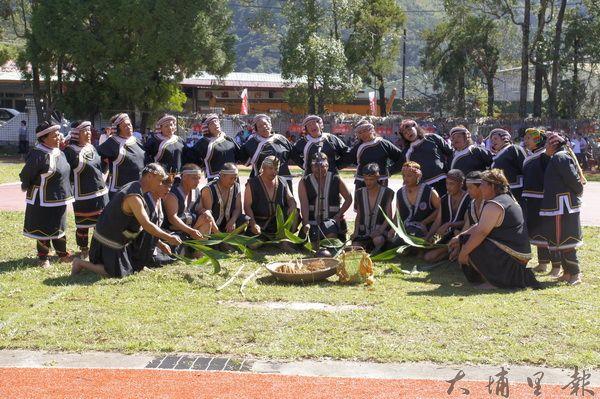 仁愛鄉運熱鬧展開,開幕儀式先以傳統儀式開場。(魏裕鑫攝)