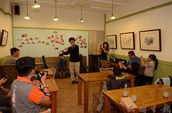 小川食堂中山店不僅是埔里的飲食空間,也是藝文沙龍。(柏原祥攝)