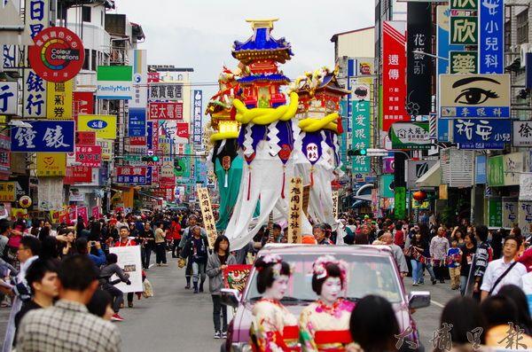 日本梵天竿燈
