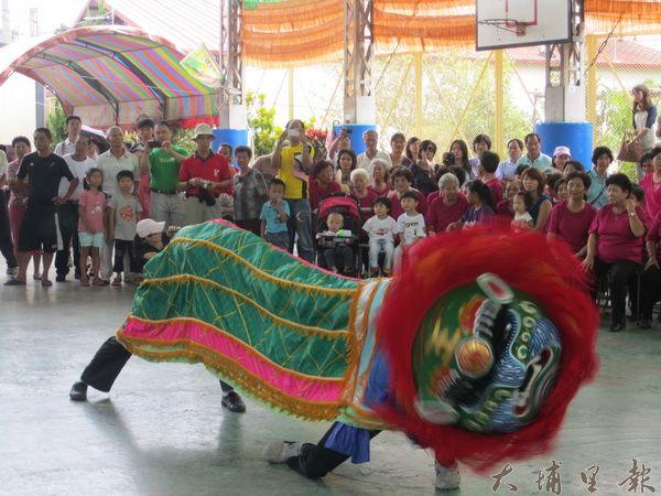 籃城社區集英館「打拳頭」國術與舞獅,是社區特色之一。