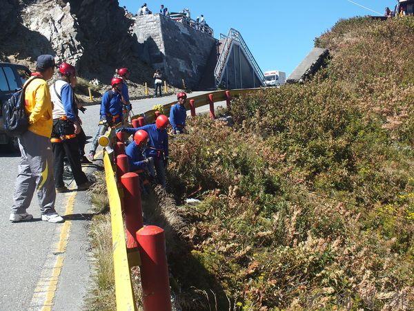 神鷹山區搜救隊不但救人,也實踐無痕山林的理念。