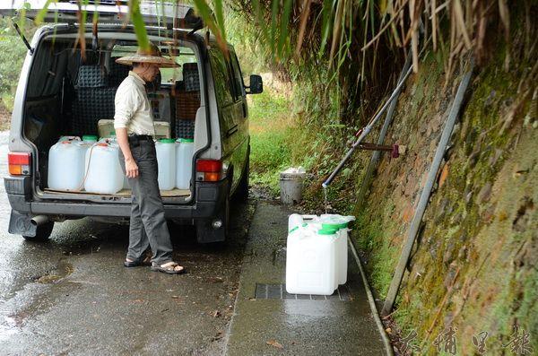 李季準馬場山泉長期被茶藝界所推崇,但暨大教授檢測,飲用水標準總菌及氨氮項目超標。(柏原祥攝)