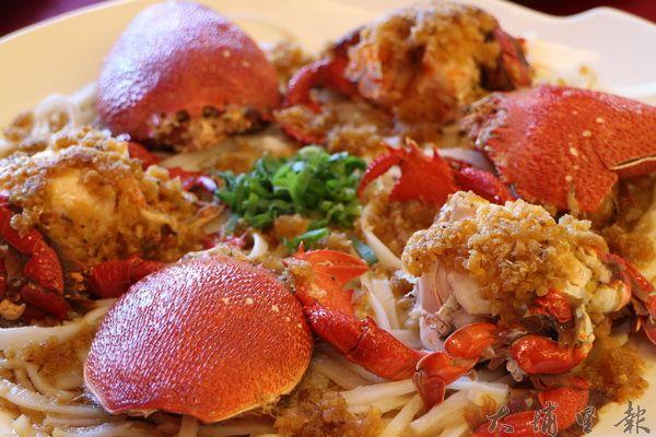 蒜茸蒸旭蟹,蟹肉鮮甜,是一入口便能使人念念不忘的好滋味。(林子婷攝)