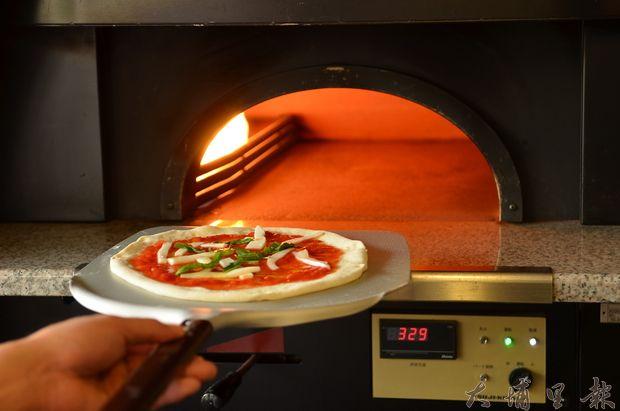 埔里鎮Mano手作窯烤披薩