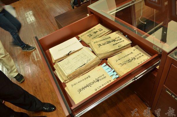 埔里鎮立圖書館收集許多珍貴史料