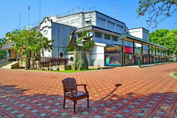 藝文中心園區正在修繕中,預計春節過後完工復出。