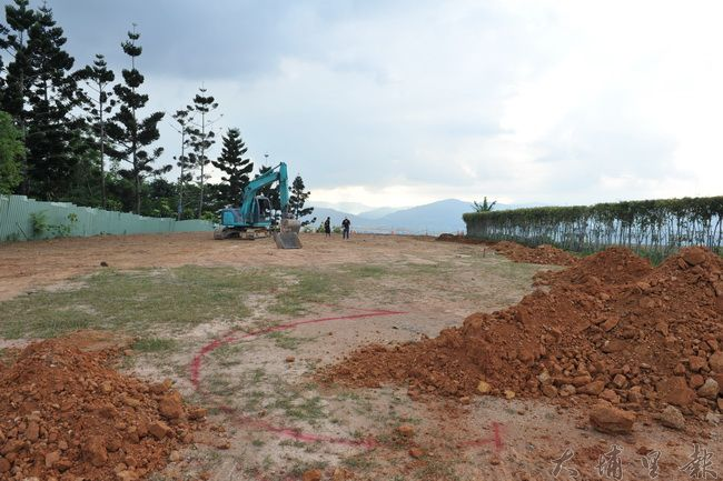 埔里鎮虎頭山是犁頭尖文化遺址區域範圍,縣府正在興建觀景平台。(柏原祥攝攝)
