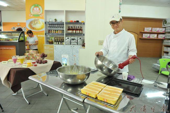 埔里鎮農村青年沈茗瑋研發米蛋糕,為國產米找出路。(柏原祥攝)