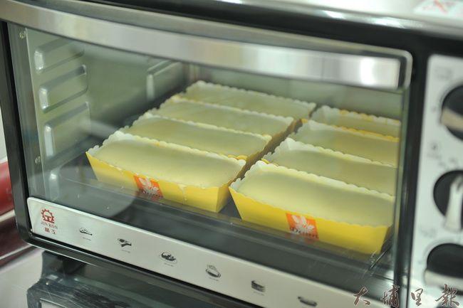 米蛋糕以米粉取代麵粉,口感更為綿細。(柏原祥攝)