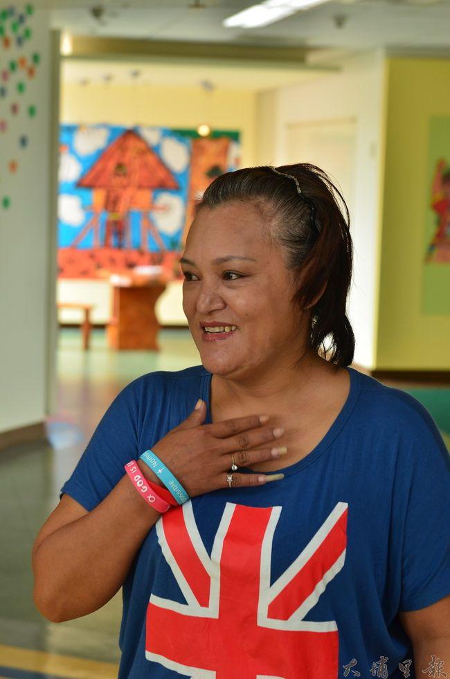武界部落馬家燒傷姊弟手術後重獲新生,母親馬美倫提到等待醫療的焦慮到手術成功,不禁喜極而泣。(柏原祥攝)