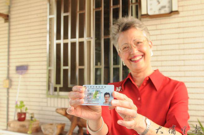 美籍傳教士高王淑玲來台宣教,幫助台灣家庭28年,獲頒永久居留證。(柏原祥攝)