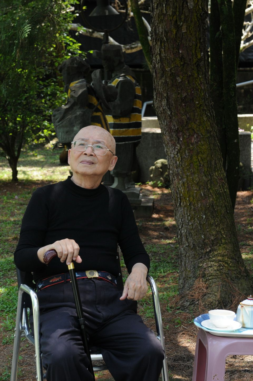 黃炳松居家環境也是被樹所環繞,他的理念是「留樹等於護生」,積極參與埔里鎮環境生態議題。(柏原祥攝)