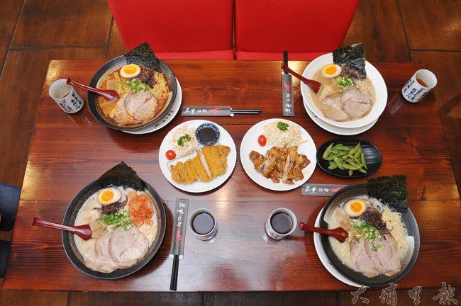 除了日式拉麵,雞腿及豬排小菜也是不錯的選擇。(柏原祥攝)