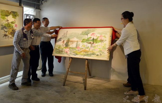 86歲的畫家孫少英,以荷為主題的個展「荷∞無限」於紙教堂流Gallery精彩展開!(紙教堂提供)
