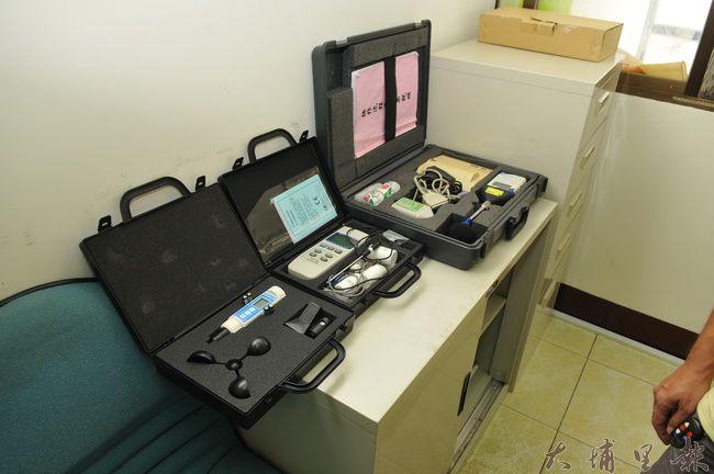 埔里環保稽查分隊正式揭牌成立,圖為分隊噪音、水資源、空汙測量器材。(柏原祥 攝)