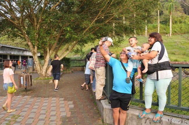 日月潭孔雀園因南投縣府BOT飯店而休園,它曾是台灣人民遊歷日月潭跨世代的共同回憶。