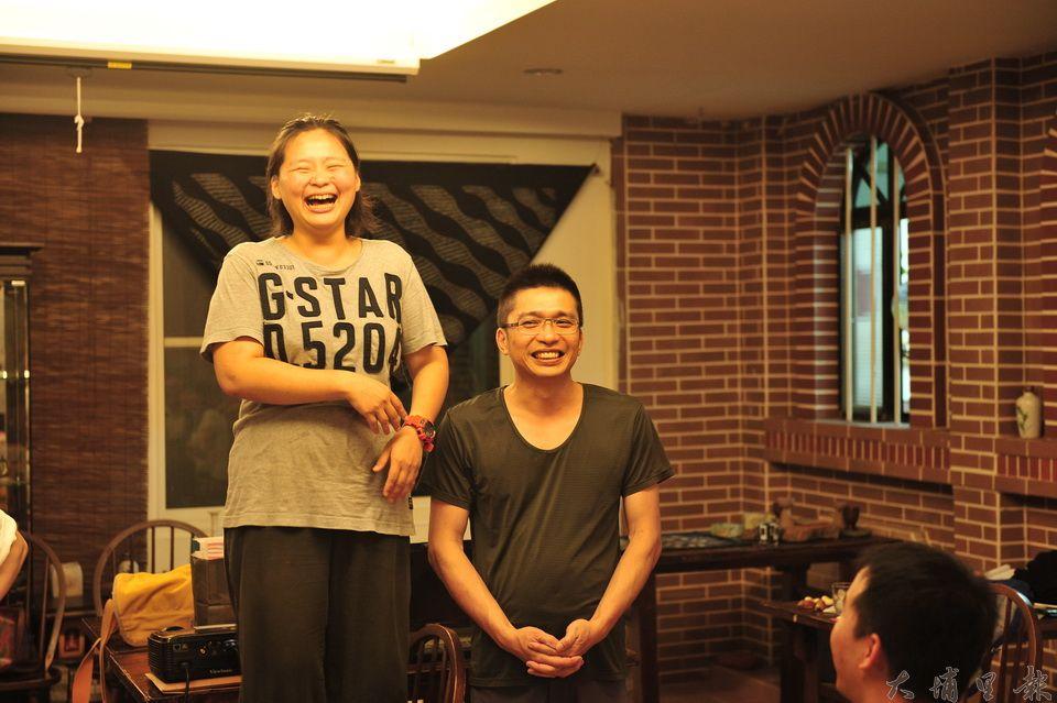 黃憲治與劉冠儀異國文化連姻,兩人個性互補,默契十足,是創業的知音伙伴。(柏原祥 攝)