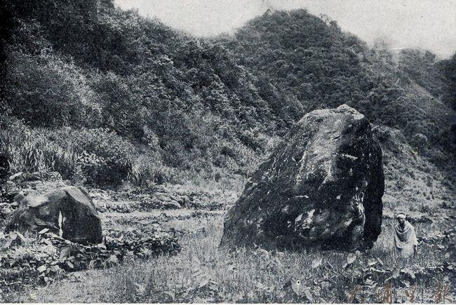 泰雅聖石Sbayan及其周邊,相傳是台灣泰雅族人所共同認證的「泰雅族起源」。(簡史朗 提供)