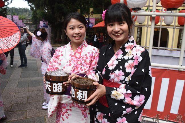 九族櫻花祭祭出開花三寶,「天時」、「地利」、「人和」,盼今年花季一樣可以花開富貴。(金城嚴 攝)