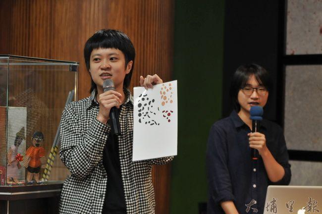 《霾哥來了》動畫首映,美術師吳豫潔指出,紙偶臉部表情,是一片一片、一格一格微調拍攝而成的。(柏原祥 攝)
