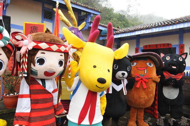 國姓鄉即將於11日舉辦鹿神祭,國姓鄉公所並發表「呦呦」小水鹿公仔。(柏原祥 攝)