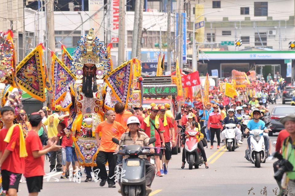 埔里天后宮舉辦媽祖文化節遶境活動,全程步行、不燃放鞭炮。(柏原祥 攝)