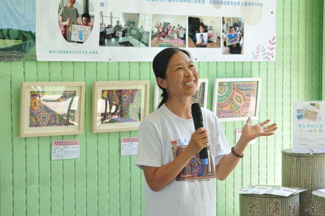炫寬愛心教養家園藝術治療老師楊繐鳳談起心智障礙園民,表示他們內心的天分需要更多資源來發掘。(柏原祥 攝)