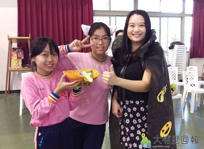 佛光山均頭國民中小學雖是佛教學校,為讓孩子認識世界文化,萬聖節也玩起變裝遊戲。(圖/校方提供)