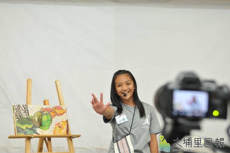 台灣彩虹雙福協會課輔班舉辦說故事比賽,讓弱勢家庭孩子上台展現自信與學習成果。(柏原祥 攝)