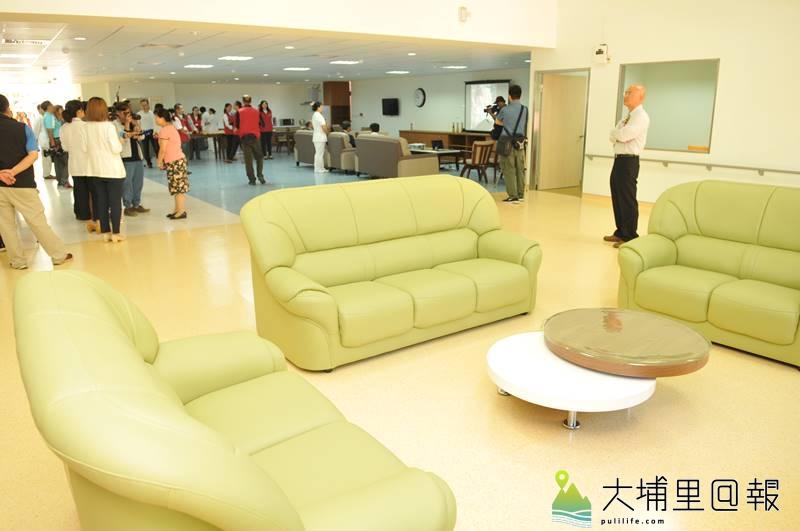 台中榮民總醫院埔里分院長照大樓動土,並宣布日照中心成立,空間寬廣、內部設施新穎。(柏原祥 攝)